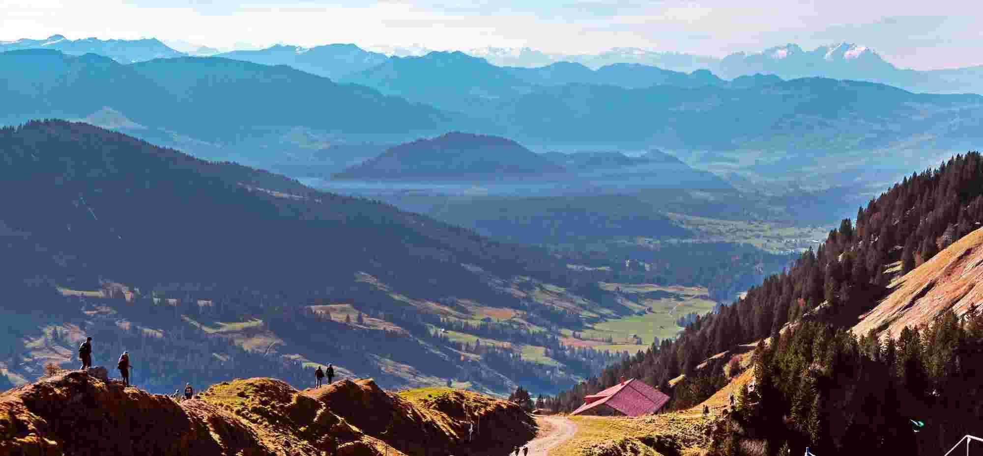 Wandern auf dem Hochgrat mit Blick auf Säntis
