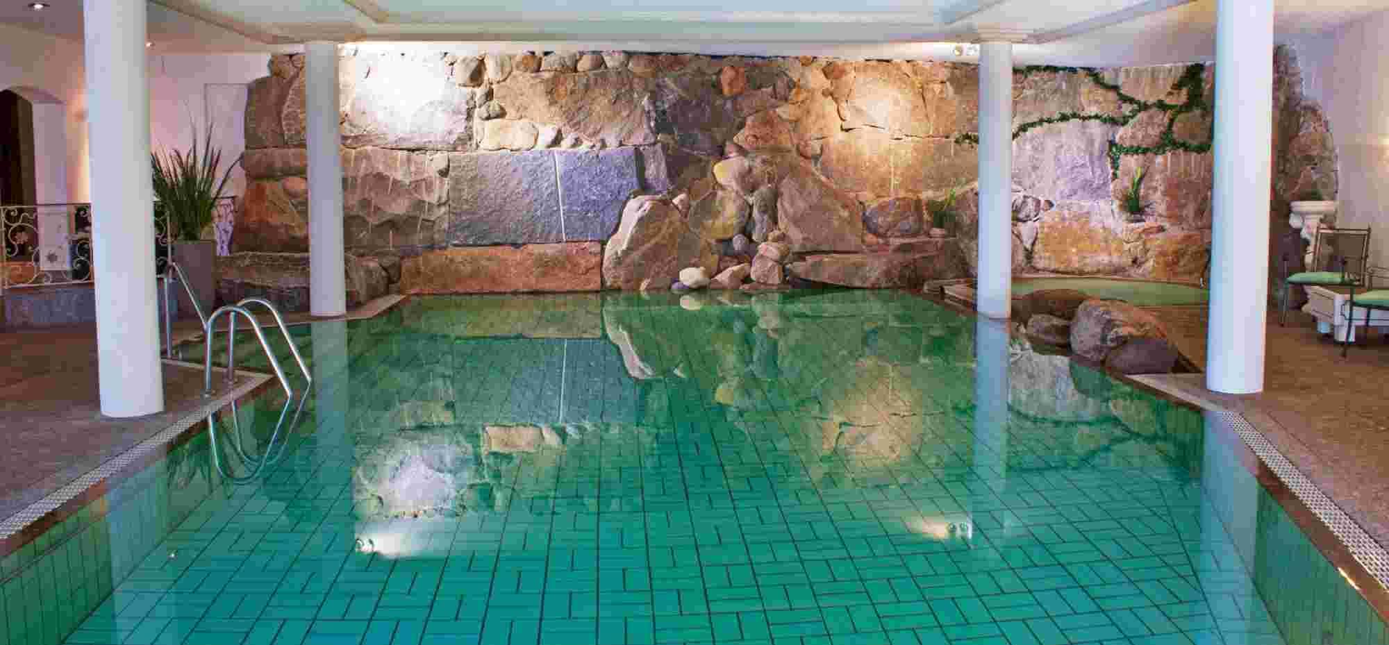 Schwimmbad im Hotel Bayerischer Hof in Oberstaufen