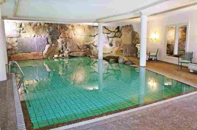 Pool im Bayerischen Hof Oberstaufen
