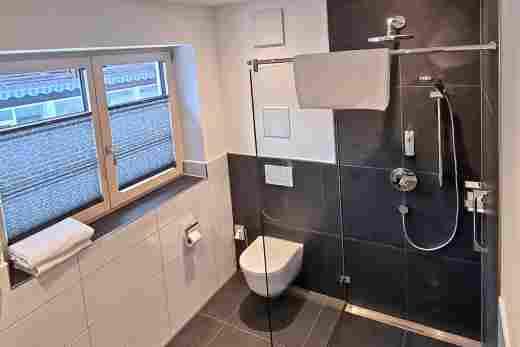 Wohnung C06, Löwen Suites im Bayerischen Hof in Oberstaufen, Dusche