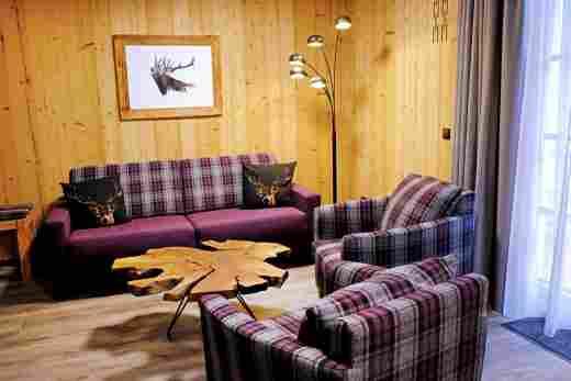 Sitzecke in der Ferienwohnung Alpenrose vom Bayerischen Hof, Löwen Suites