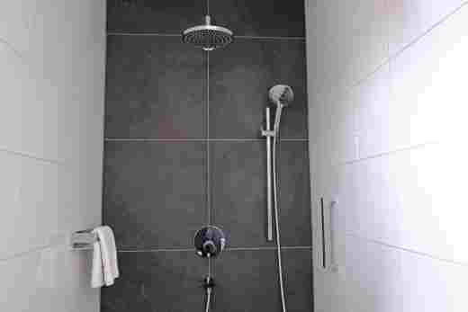 Zweite Dusche in der Ferienwohnung Gams im Bayerischen Hof und den Löwen Suites