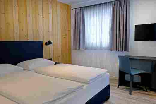 Zweites Schlafzimmer in der Ferienwohnung Gams im Bayerischen Hof und den Löwen Suites