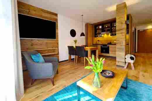 Wohn- und Essbereich in der Wohnung Murmeltier II vom Bayerischen Hof Oberstaufen, Löwen Suites