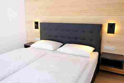 Zweites Schlafzimmer in der Ferienwohnung Steinbock im Bayerischen Hof Oberstaufen, Löwen Suites